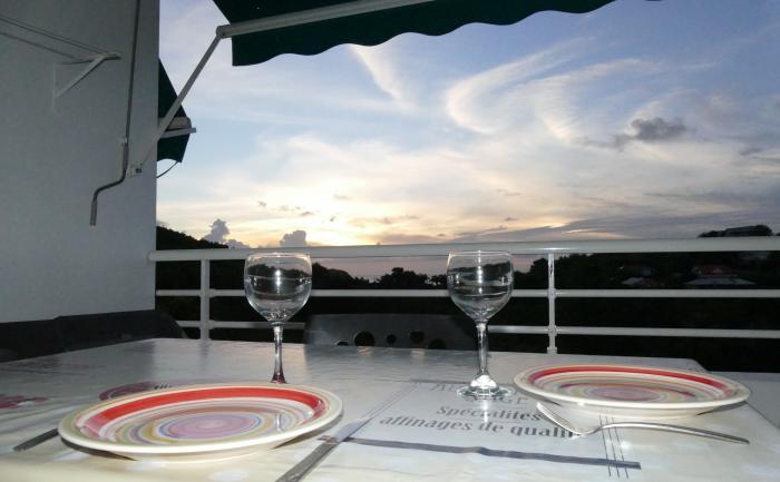 Le diner face au coucher de soleil